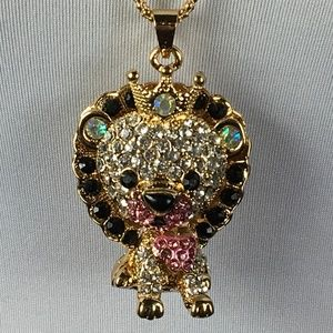 Betsey Johnson Necklace Royal Lion Pink Gold Crown
